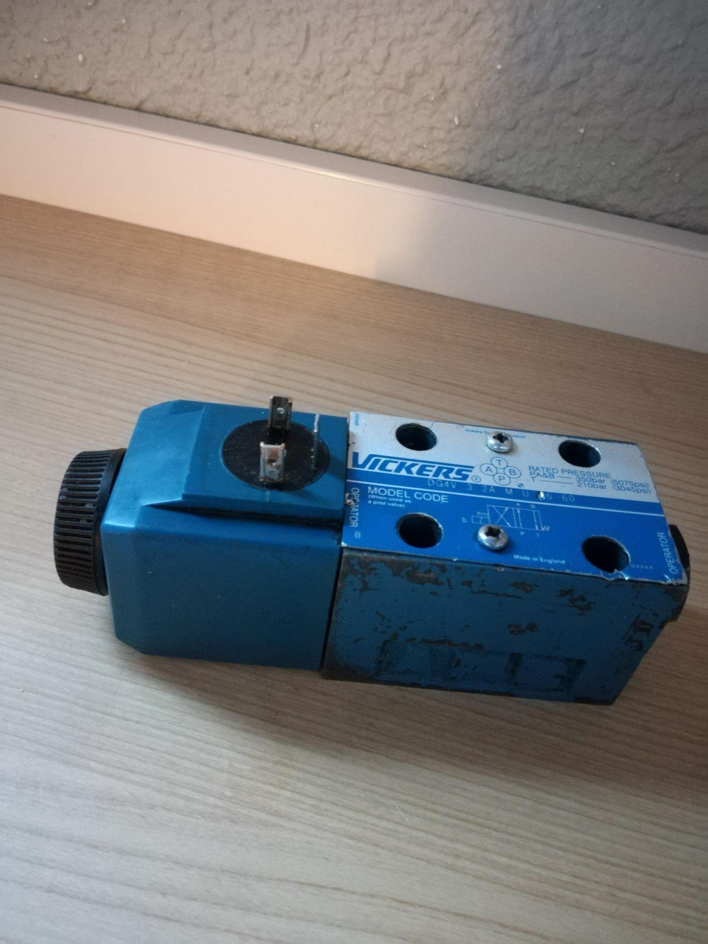 directional valve 4-2