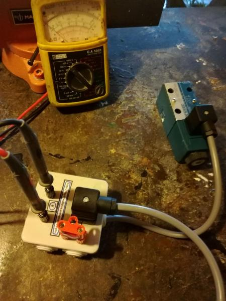 Test voltage coil hydraulic directional valve